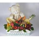 Cesta de frutas y peluche (Fruit basket and teddy)